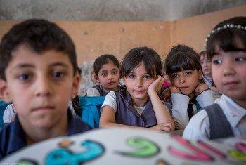 Crianças mais pobres de áreas urbanas de um quarto dos países têm maior probabilidade de morrer antes do quinto aniversário do que as crianças de zonas rurais