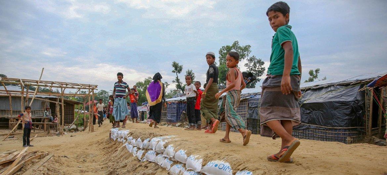 逃往孟加拉国考克斯巴扎地区的缅甸罗兴亚难民。