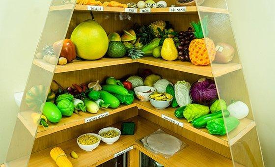 Algumas frutas e vegetais contêm carotenos, que podem ser convertidos em vitamina A no corpo
