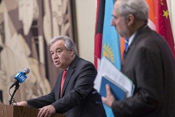 Katibu mkuu wa Umoja wa Mataifa António Guterres akijibu maswali ya wanahabari katika makao makuu ya Umoja wa Mataifa, New York 28 November 2018.