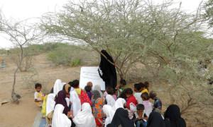 أرشيف: فصل دراسي في إحدى مدارس محافظة الحديدة اليمنية.