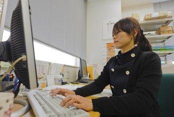 O relatório da OIT concluiu que as mulheres recebem menos 20% do que os homens.