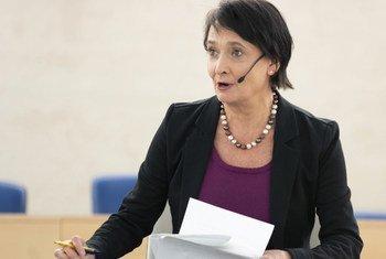 BBC correspondent Imogen Foulkes speaking at a UN/European Broadcasting Union World TV Day event in Geneva on 21 November 2018.