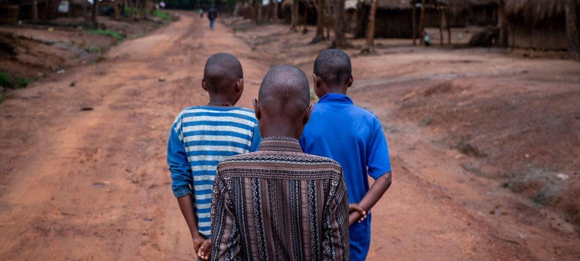 Трое подростков из числа бывших солдат в Центральноафриканской Республике