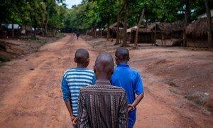 Sobe para 3,1 mil menores desligados de grupos armados desde o início do conflito.