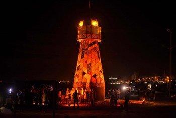 برنامج الأمم المتحدة الإنمائي والاتحاد الأوروبي يقومان بإضاءة فنار غزة باللون البرتقالي احياءً لليوم العالمي للقضاء على العنف ضد المرأة.