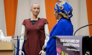 Sophia the Robot speaking to UN Deputy Secretary-General Amina Mohammed at UN Headquarters in 2017.