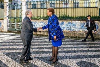 A secretária-executiva da Cplp, Maria do Carmo Silveira, e o secretário-geral da ONU, António Guterres