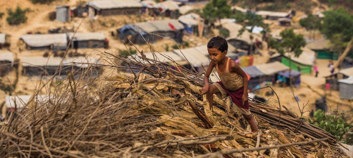 Pnud e o Acnur aplaudem aprovação pelo Governo do Mianmar de 35 projetos baseados na comunidade em aldeias selecionadas.