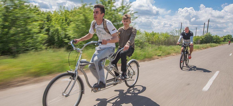 在乌克兰,残疾人士为开发可持续旅游项目做出贡献。