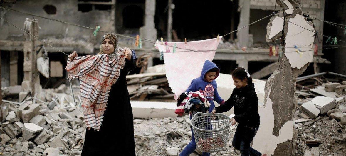 加沙的房屋以及供水和供电在2014-15年的暴力冲突中遭到严重破坏。