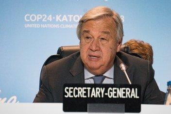 Katibu Mkuu wa UN António Guterres alipokuwa akizungumza hii leo tarehe 12 Desemba 2018 na wajumbe wanaoshiriki COP24 huko Katowice Poland
