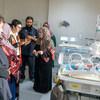 مسؤولون أمميون يزورون مستشفى في ليبيا، ويطلعون على كيفية تأثير شح الدواء والمعدات على حياة  المرضى.