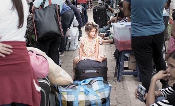 Refugiados e migrantes venezuelanos em Pacaraima, Brasil, cidade localizada na fronteira com a Venezuela.