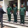 联合国维和副秘书长拉克鲁瓦会见坦桑尼亚人民国防部队,他还向一年前在刚果民主共和国牺牲的15名坦桑尼亚维和士兵致敬。