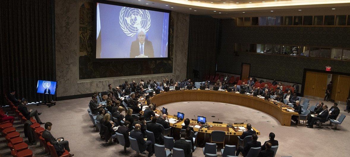 El enviado especial del Secretario General para Yemen, Martin Griffiths, informa al Consejo de Seguridad por videoconferencia el 14 de diciembre de 2018