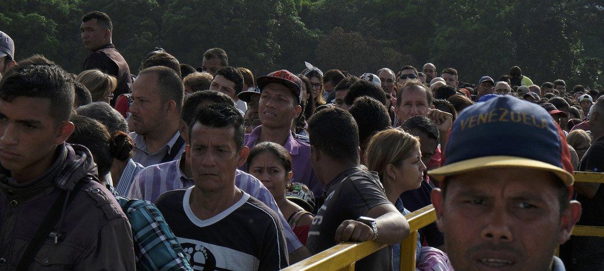 Cúcuta, en la frontera de Colombia con Venezuela. Miles de refugiados y migrantes de Venezuela siguen entrando a Colombia a diario a través del puente Simón Bolívar.
