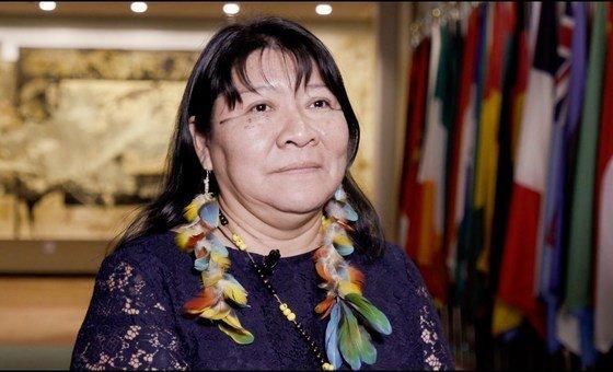 Joênia Wapichana é a primeira mulher indígena a ganhar uma eleição para o Congresso brasileiro.