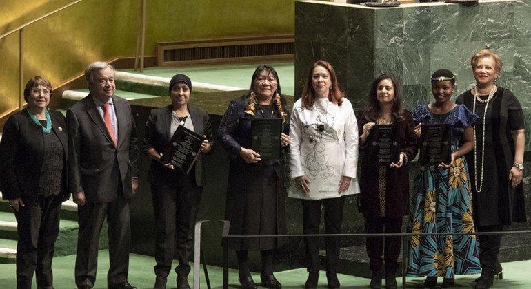 Tres mujeres y una organización reciben el Premio de los Derechos Humanos 2018 de la ONU
