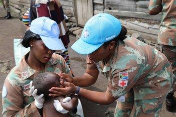 Walinda amani wa MONUSCO wakishiriki katika kutoa matibabu na lishe nchini DRC