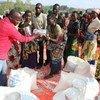 Shirika la chakula duniani, WFP likisambaza mgao wa chakula katika jimbo la Ituri, DRC ambako maelfu ya watu wamekimbia machafuko ya kikabila mnamo 21 Machi 2018.