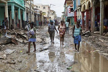 Травмы, инфекционные заболевания, гибель в результате наводнений и ураганов, тепловые удары - таковы последствия климатических изменений для здоровья людей. В ВОЗ призывают срочно уделить внимание этому аспекту изменения климата.