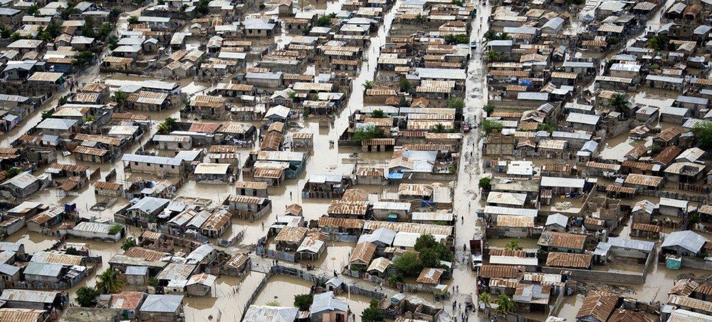 Inundaciones causadas por el huracán Tomas en Haití.