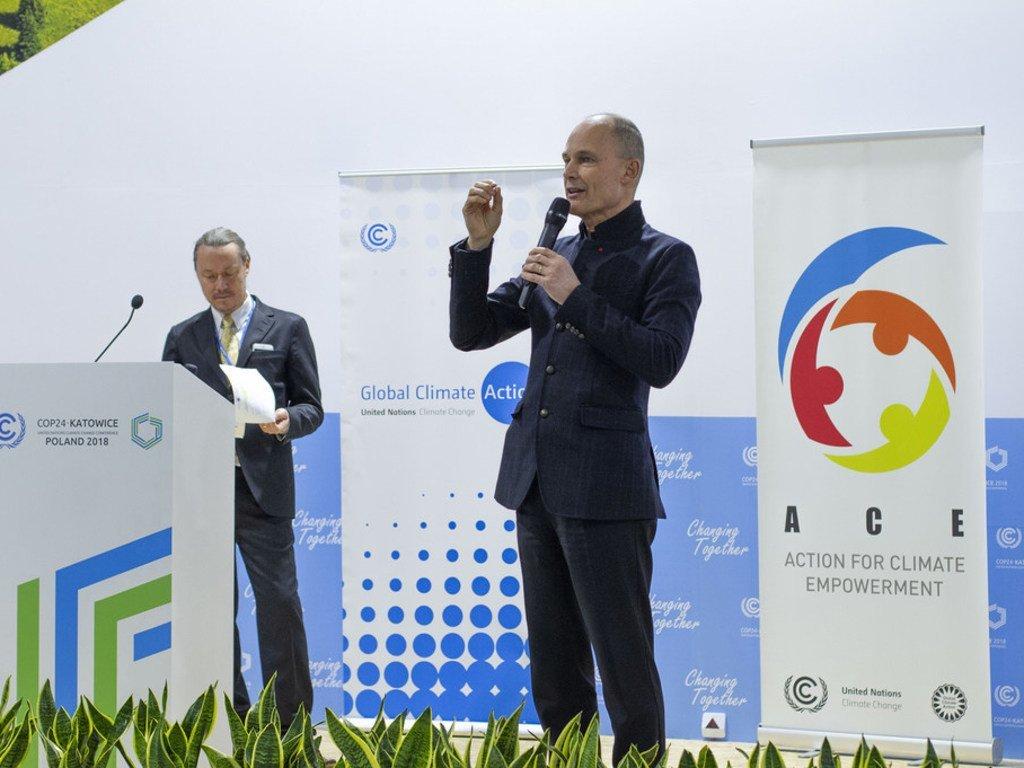 Bertrand Piccard, fondateur de Solar Impulse, prend la parole lors de la Conférence de l'ONU sur le climat (COP24) à Katowice, en Pologne.