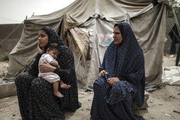بصرف النظر عن ظروفهم المعيشية المروعة، يجد الآباء غزة أنفسهم غير قادرين على تلبية الاحتياجات الأساسية لأطفالهم كالغذاء والصحة والسكن.