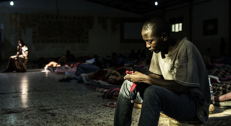 Libye : un migrant soudanais tué lors de son débarquement à Tripoli, l'OIM condamne cet incident