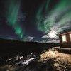 在位于北极圈以北的阿斯维斯尤特-尼皮萨特,冬季漫长的极夜是观察北极光的最佳时机。