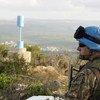 un Casque bleu de la Force intérimaire des Nations Unies au Liban (FINUL) en patrouille