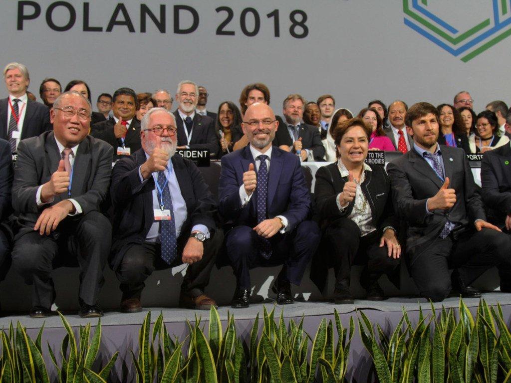 Séance plénière de clôture de la COP24 à Katowice, en Pologne, le 16 décembre 2018. La conférence de l'ONU sur le climat s'est conclue sur un accord concernant les règles d'application de l'Accord de Paris sur le climat