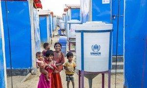 O objetivo do Acnur é fornecer 20 litros de água limpa e segura, por dia, a cada refugiado.