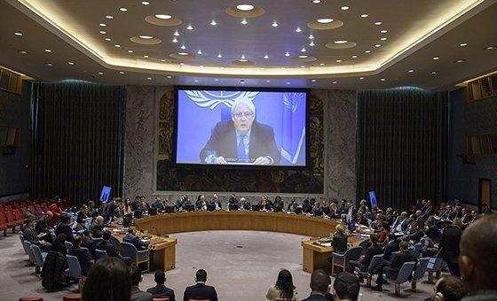 L'Envoyé spécial du Secrétaire général pour le Yémen, Martin Griffiths (à l'écran), informe le Conseil de sécurité de la situation au Yémen. 9 janvier 2019.