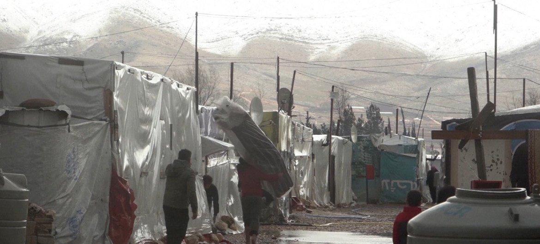 La Agencia de la ONU para los Refugiados suministra ayuda de emergencia a los refugiados sirios en el Líbano después de que una fuerte tormenta invernsal azotara el país en enero de 2019.