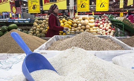 O Índice de Preços dos Alimentos da FAO registra variações mensais nos custos internacionais das commodities alimentares.