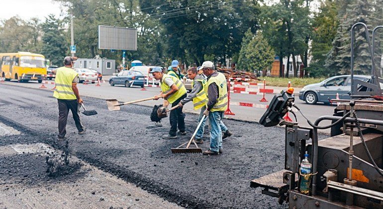 Проект ПРООН на Украине позволил привлечь общественные организации к контролю за качеством дорожных работ
