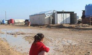 Una niña desplazada siria en el campamento de Al-Areesha.