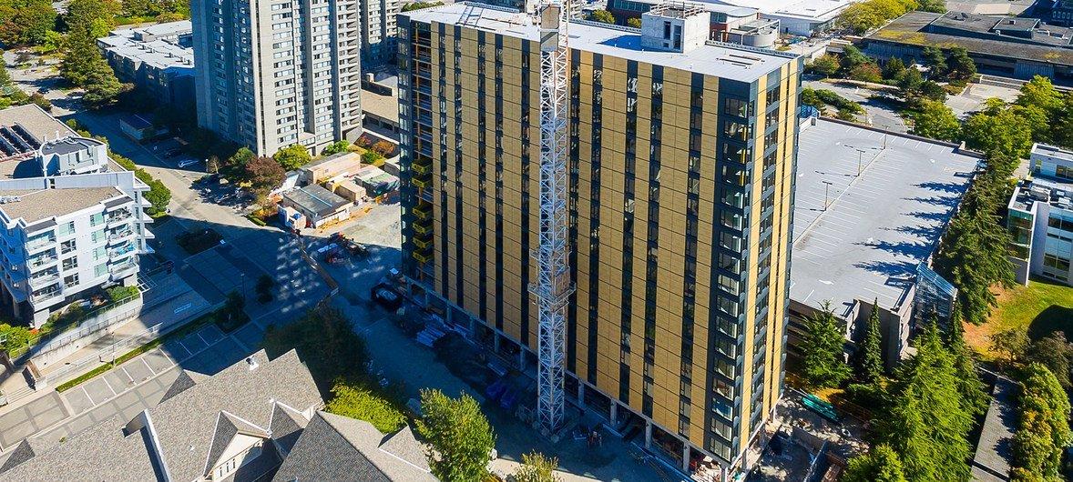 全球最高的木质建筑,加拿大不列颠哥伦比亚大学学生宿舍布洛克公寓外观。