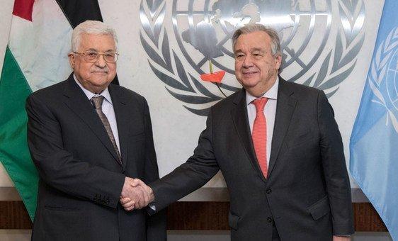 O secretário-geral da ONU, António Guterres, com o presidente do Estado da Palestina, Mahmoud Abbas.