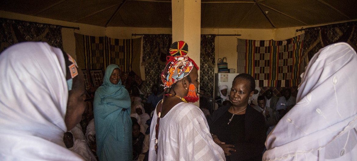 Bintou Keita, Assistant Secretary-General for Peacekeeping Operations, and Oscar Fernandez-Taranco, Assistant Secretary-General for Peacebuilding support, meet with the beneficiaries of UNWOMEN and UNFPA project supporting victims of sexual and gender-based violence at the Maison des femmes in Gao.