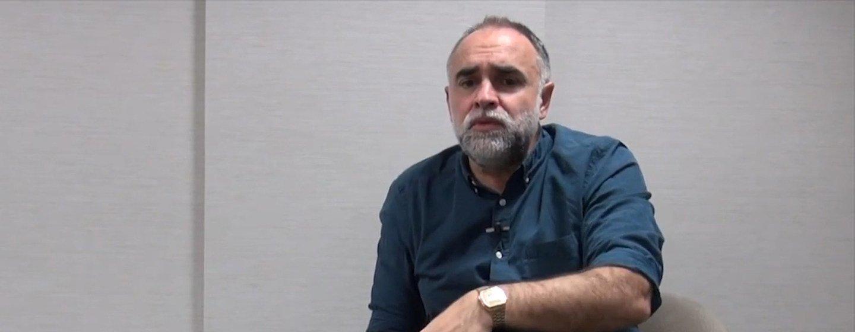 Karim Aïnouz passou seis meses visitando o aeroporto para conhecer seus habitantes.