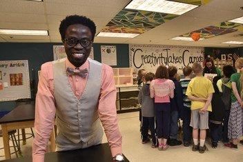 Bertine Bahige deu aulas de matemática por dez anos, antes de se tornar diretor de uma escola de ensino fundamental em Gillette, no Wyoming.