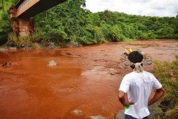 Los defensores del medio ambiente indígenas y afrodescendientes están entre quienes más sufren las violaciones de sus derechos humanos en Latinoamérica.