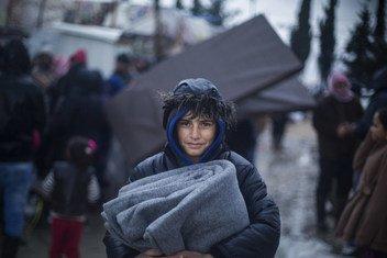 Atualmente, milhões de pessoas vivem sob tendas, lonas ou em edifícios danificados, sem energia ou aquecimento, com grave escassez de recursos.