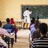 De acordo com a Unesco, atualmente, 262 milhões de crianças e jovens não frequentam a escola e 617 milhões de crianças e adolescentes não sabem ler nem fazer cálculos matemáticos básicos.