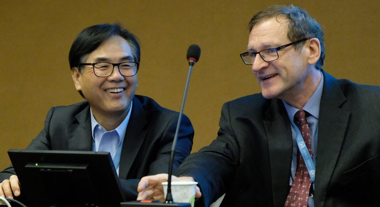 Richard Kozul-Wright (right), UNCTAD's Director of the Division of Globalization and Development Strategies (GDS), pictured with James Zhan, UNCTAD's Director of the Division of Investment and Enterprise (DIAE).  December 2018.
