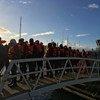 وصول اللاجئون والمهاجرون إلى مدينة فاليتا، بمالطة، حيث تم إنقاذهم بواسطة قاربين تابعين لمنظمتين غير حكوميتين، بعد أن تقطعت السبل على كلا القاربين وسط البحر.