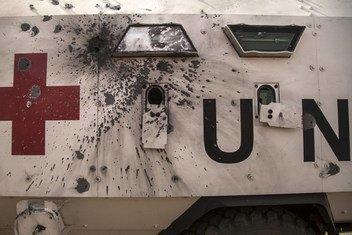 Un véhicule de la MINUSMA endommagé lors d'une attaque en janvier 2019 contre des Casques bleus tchadiens (archive)